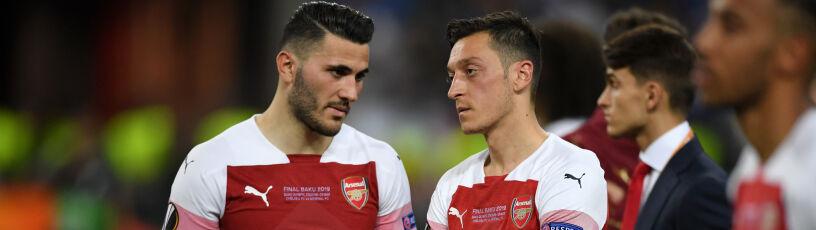 Napadnięci piłkarze Arsenalu poza składem.