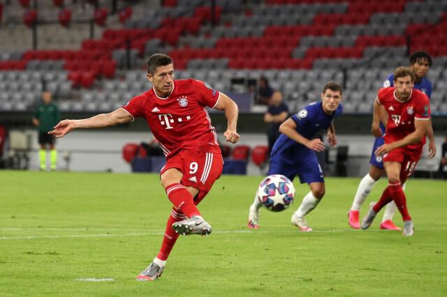 Liga Mistrzów. Robert Lewandowski miał udział przy wszystkich golach w dwumeczu z Chelsea | Eurosport w TVN24    - Piłka nożna - TVN24