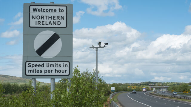 Komisja Izby Gmin: granica w Irlandii nieunikniona po brexicie