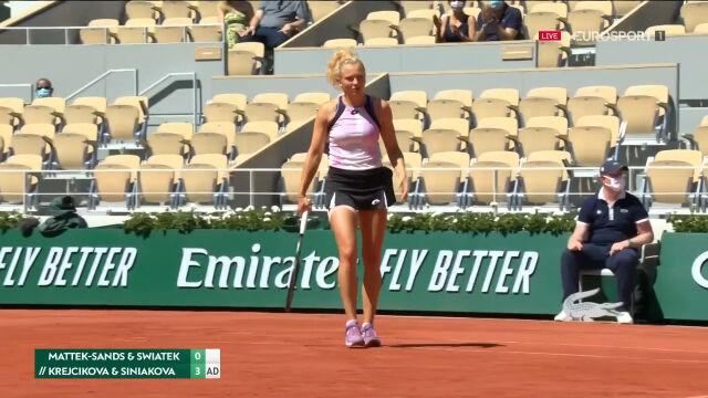 Krejcikova i Siniakova nie zwalniały tempa. Wysokie prowadzenie Czeszek w 1. secie finału