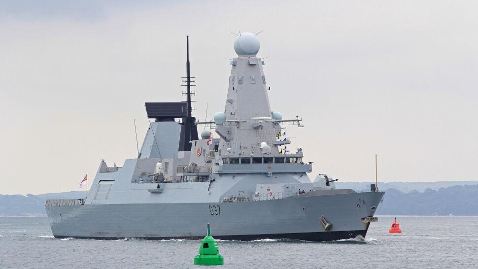 """Brytyjczycy wysyłają do Zatoki Perskiej drugi okręt wojenny. """"Utrzymanie stałej obecności"""""""