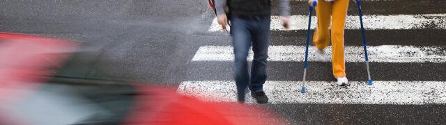 Przejścia dla pieszych i buspasy. Premier zapowiada rewolucję dla kierowców