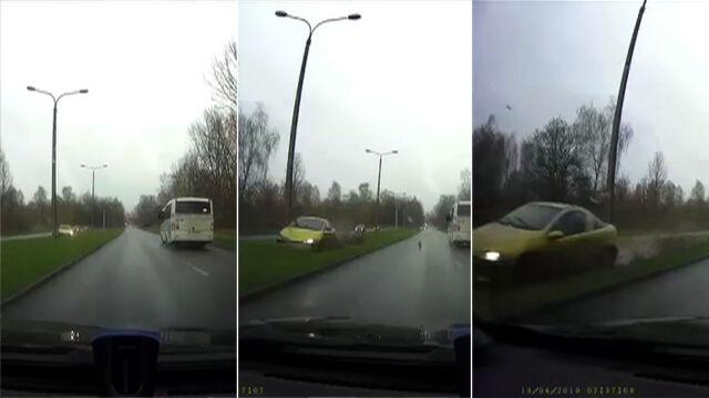 Zielony pas, latarnia, auto z naprzeciwka i dalej kamerka już nie nagrywa
