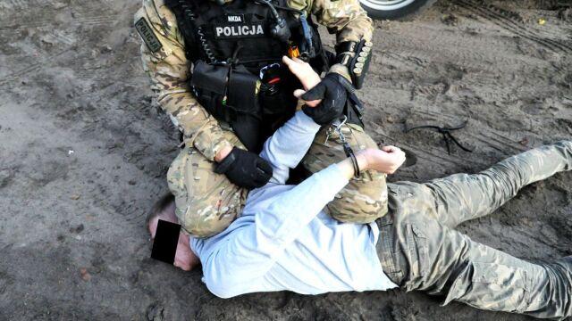 Przyznał się do porwania i zgwałcenia 8-latki. Został aresztowany