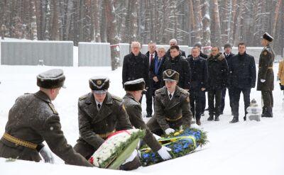 Szef MSZ złożył wieńce na polskim cmentarzu w Bykowni