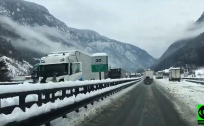 Lawina zablokowała autostradę w Alpach