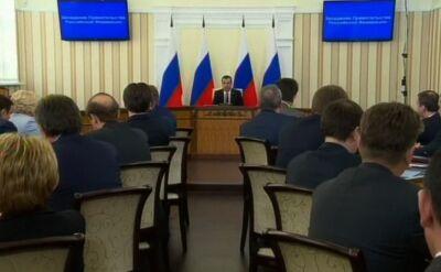 Miedwiediew sypnął kasą na Krymie. Wyrówna pensje i emerytury do średniej rosyjskiej