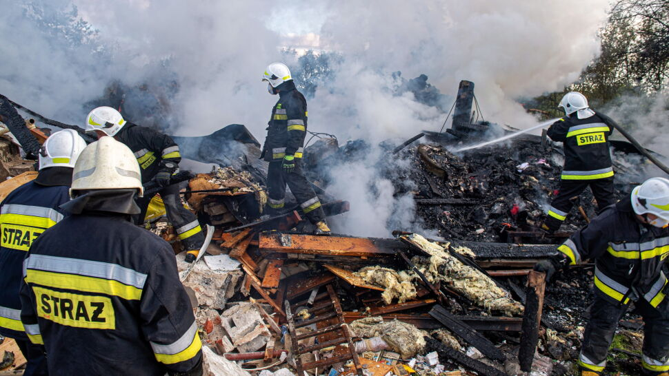 """""""Odkręcił butlę gazową, doprowadził do wybuchu"""". Strażacy znaleźli dwa ciała w gruzowisku"""