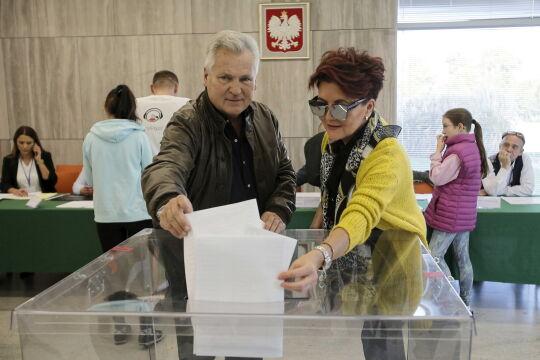 Aleksander Kwaśniewski z żoną