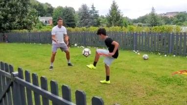 Jaki ojciec, taki syn. Ronaldo szykuje formę, wychowując następcę