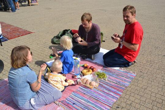 Na placu Wolności pojawiły się rodziny z dziećmi