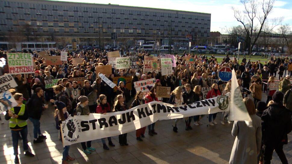 Młodzieżowy strajk klimatyczny odbył się w dniu wyprzedaży