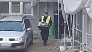 Policjanci pomagali w przeprowadzce. Komendant w Kępnie traci stanowisko