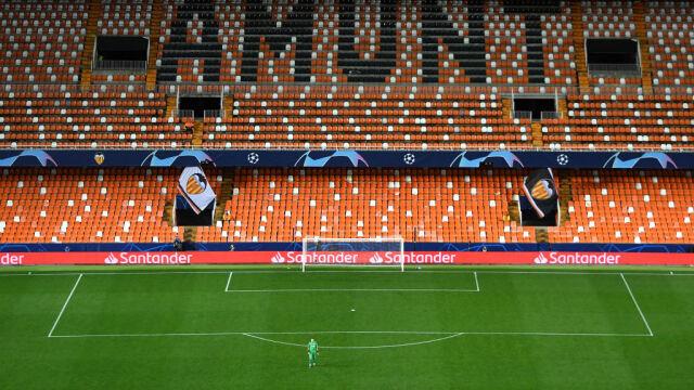 """""""Sformalizowanie oczywistości"""". Hiszpańskie ligi piłkarskie wstrzymane do odwołania"""