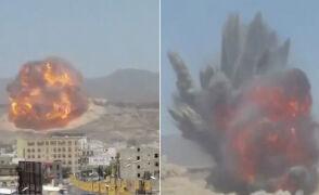 """Ogromny """"grzyb"""" nad stolicą Jemenu. Saudyjczycy trafili w skład broni"""