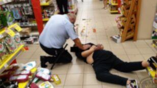 Z 30-centymetrowym nożem rzucił się na strażnika miejskiego