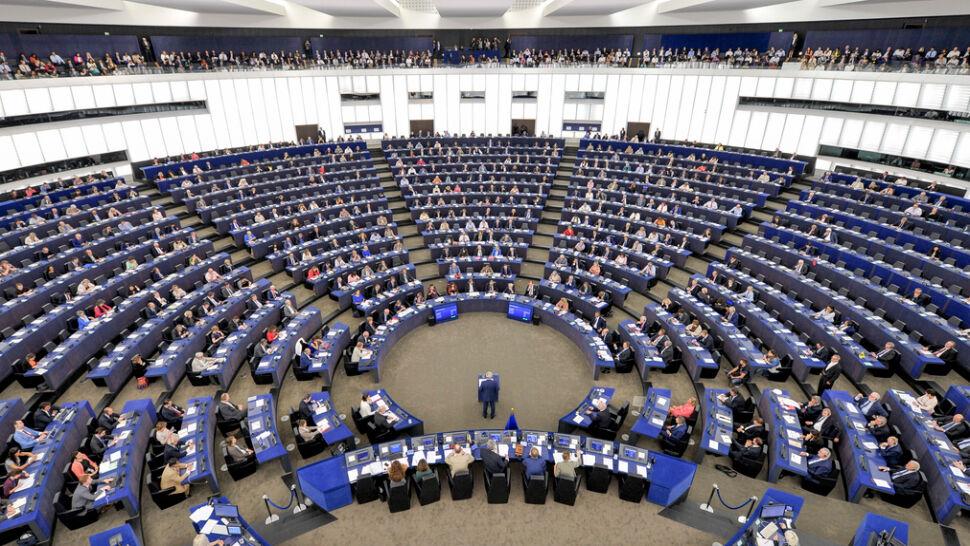 """""""Wzrosła liczba prześladowanych chrześcijan"""". Europarlament przyjął raport o wolności religii"""