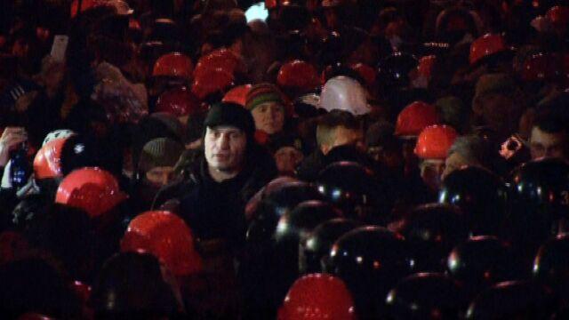 Kliczko pojawił się w pierwszym szeregu demonstrantów