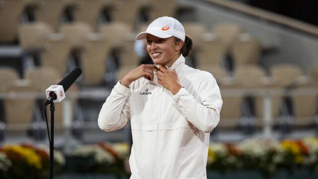 """""""Gra niesamowity tenis, to był jej popis"""". Eksperci zachwyceni Świątek"""