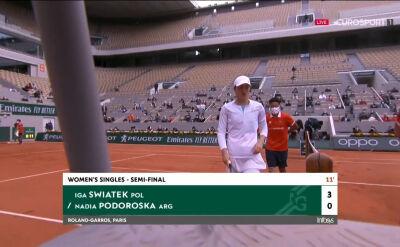 Świątek nie zwalnia tempa. Już 3:0 w 1. secie półfinału Roland Garros