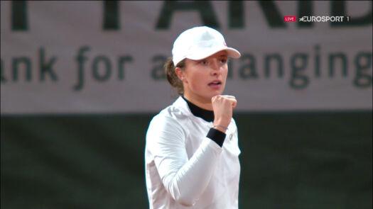 Świetny bekhend Świątek, Trevisan przełamana po raz kolejny w ćwierćfinale Roland Garros