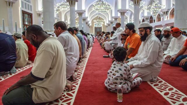 Lider muzułmanów we Francji: zamieńmy puste kościoły na meczety