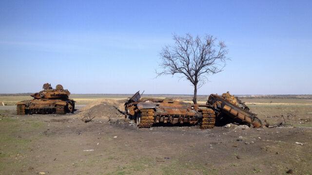 """Wraki rosyjskich czołgów zalegają na Ukrainie. """"Ten typ nie jest używany poza Rosją"""""""