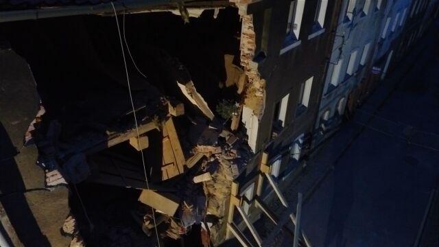 Dwa piętra zniknęły w wybuchu, reszta do rozbiórki. Lokatorzy muszą czekać