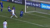 Gol samobójczy po fatalnym wybiciu piłki przez obrońcę Newcastle Jets