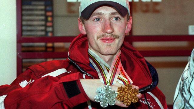 Trener stracił wąsy, Małysza porównano do uciekającego Gołoty. Medal uznano za porażkę