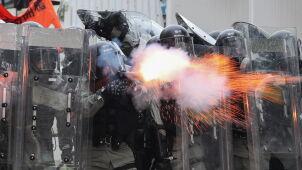 Policjanci w Hongkongu z szerszymi uprawnieniami do używania broni