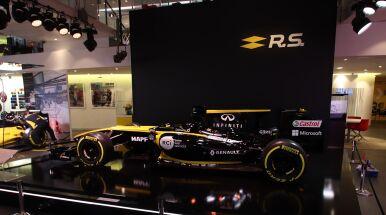 Renault przyznaje, że ma słabsze silniki niż rywale.