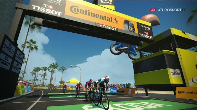 Niesamowity atak kolarza CCC na finiszu 2. etapu Wirtualnego Tour de France