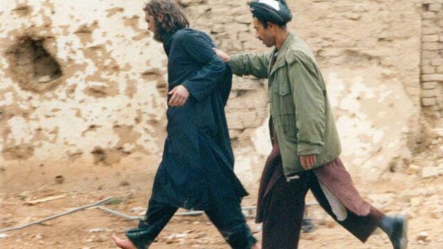 """Walczyłna froncie, poznał Osamę bin Ladena. """"Amerykański talib"""" na wolności"""