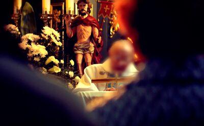Skazany za czyny pedofilne ksiądz z Tylawy wciąż prowadzi msze