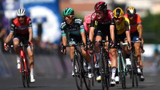 Giro wjeżdża w góry. Będzie tylko trudniej