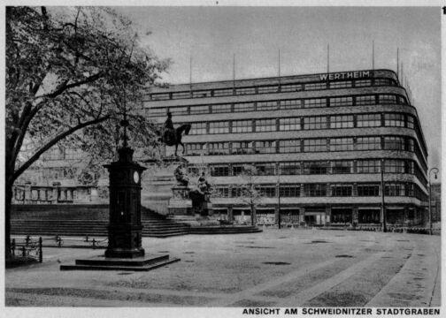 Pomnik cesarza Wilhelma I, w tle dom handlowy, 1929-30