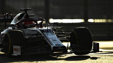 Kubica szybszy od kierowców Ferrari. Spektakularny powrót Alonso