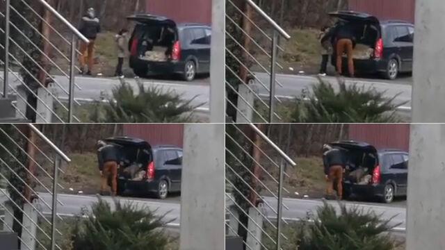 Dziecko wsiada do bagażnika, samochód odjeżdża. Przesłuchają właściciela auta