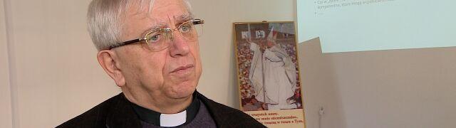 Ksiądz Żak: nie umiemy się komunikować z wiernymi, Kościół musi odzyskać mowę