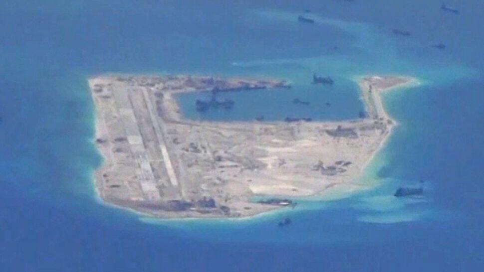 Chińskie rakiety na spornej wyspie. Mają powstrzymać nurków