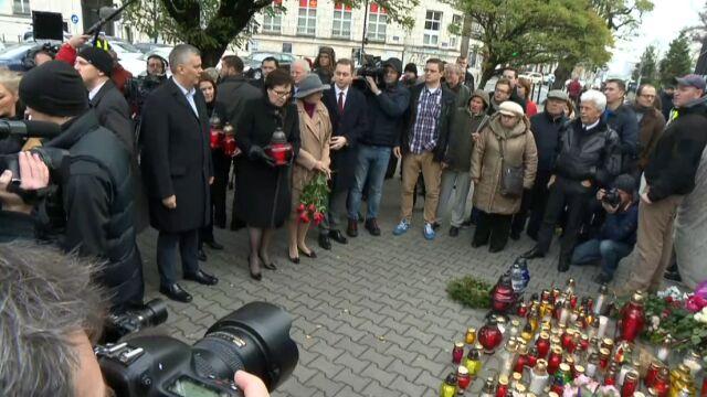 Ewa Kopacz pod ambasadą Francji