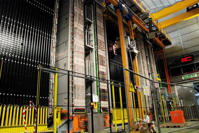 Szok naukowców CERN. Prędkość światła pobita?