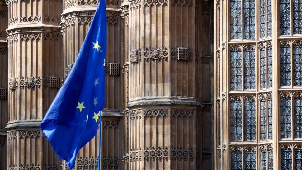 """""""Utrzymująca się niepewność w Wielkiej Brytanii"""". Piąty raport Brukseli o brexicie"""