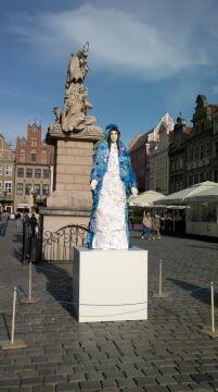 Instalacja zostanie na Starym Rynku do 7 lipca.