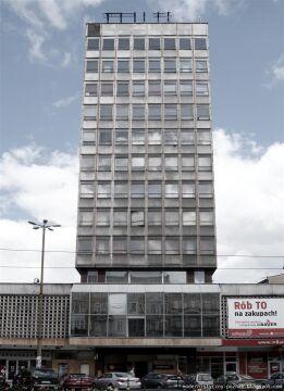 Jeden z pięciu wieżowców