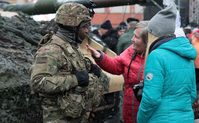 Amerykańscy żołnierze powitani w Polsce