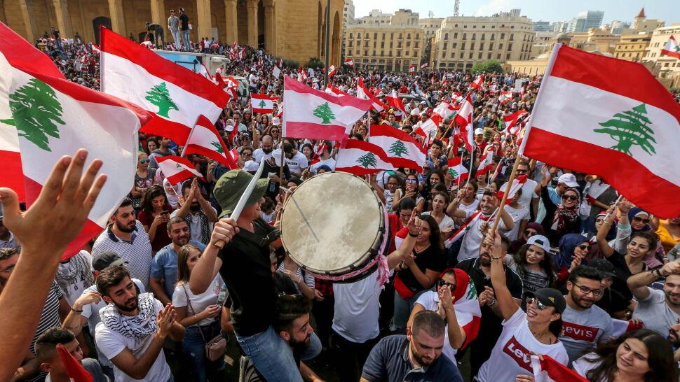 Tysiące na ulicach domagały się reform. Rząd zgodził się na zmiany