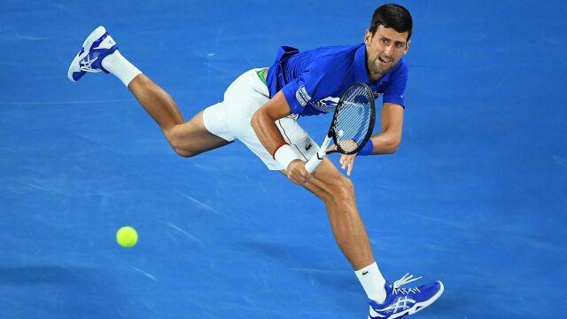 Trudna przeprawa Djokovicia. Ma dziesiąty ćwierćfinał w Melbourne