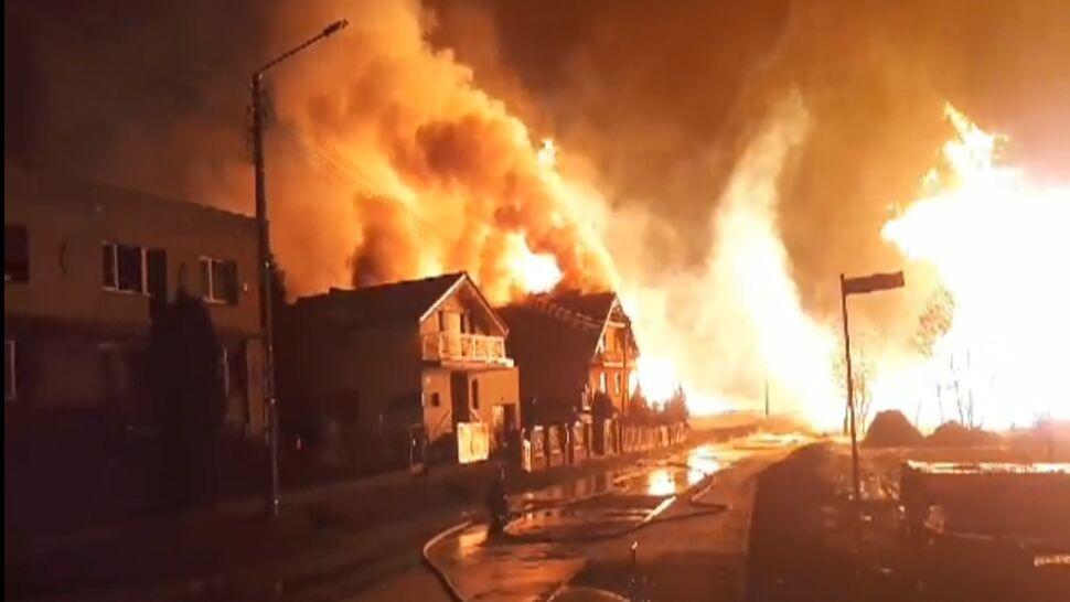 """""""Huk był taki, że zatrzęsło naszymi domami"""", płomienie było widać z kilkudziesięciu kilometrów"""